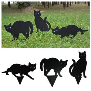 3 chats noirs effaroucheurs - AIC International