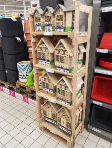 Display 36 Insect hotel FSC® certified 100%