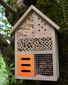 Insect hotel Milton 25cm FSC® certified 100%