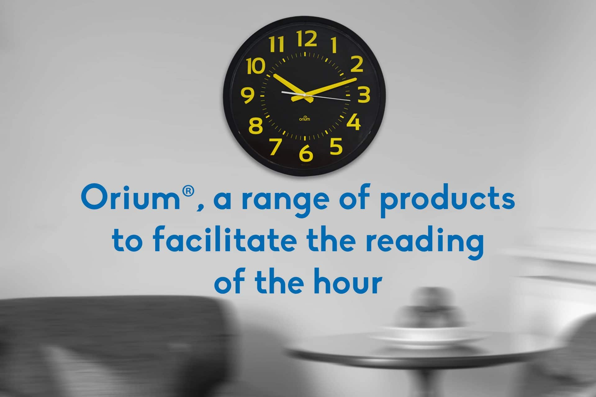 Clocks, watches and alarm clocks adapted to facilitate the reading of the hour