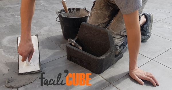 For summer work, think about the comfort of your knees with the Facili'Cube !